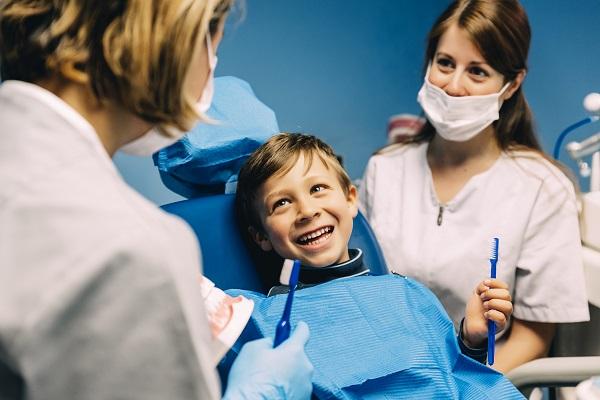 Ida ao dentista na infância