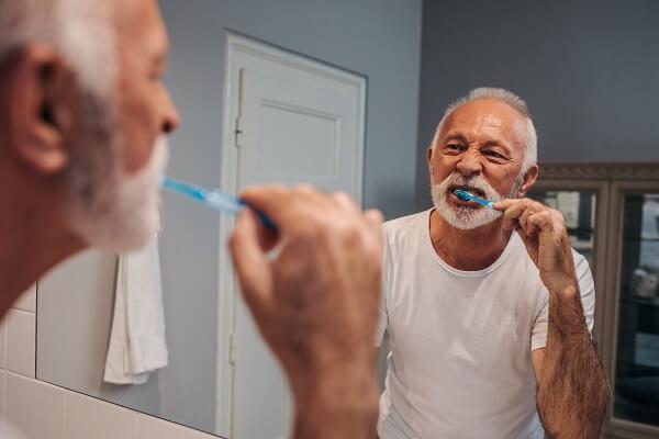4 principais dicas de como cuidar da higiene bucal