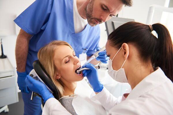 O que é canal dentário